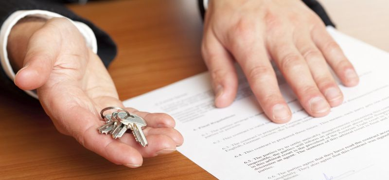 Неприватизированная квартира: права проживающих и налоги