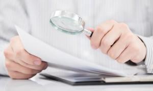 Какие документы нужно проверить при покупке квартиры и как это сделать
