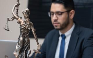 Профессия юрист: описание, плюсы, минусы, где получить
