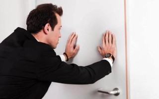 Как выписать не проживающего человека из квартиры без его согласия – инструкция для собственников