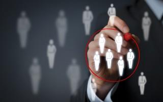 Аутстаффинг и аутсорсинг персонала: что это такое и как это работает